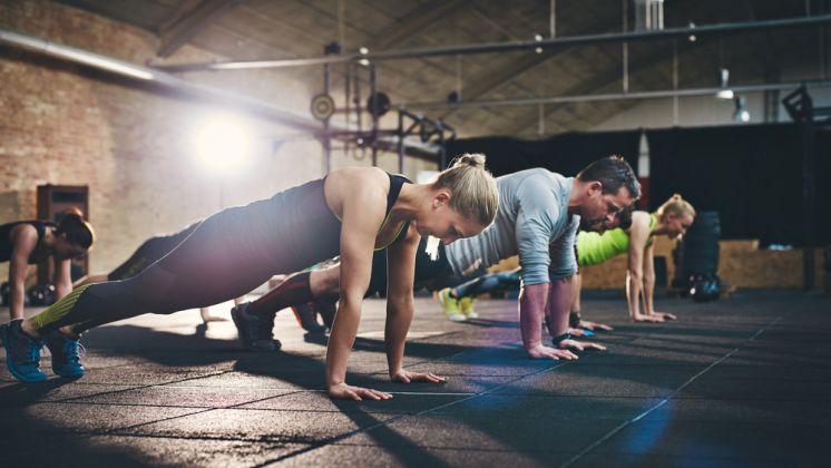 Най-добрите упражнения Телесна маса за всички нива на фитнес-пешеходец