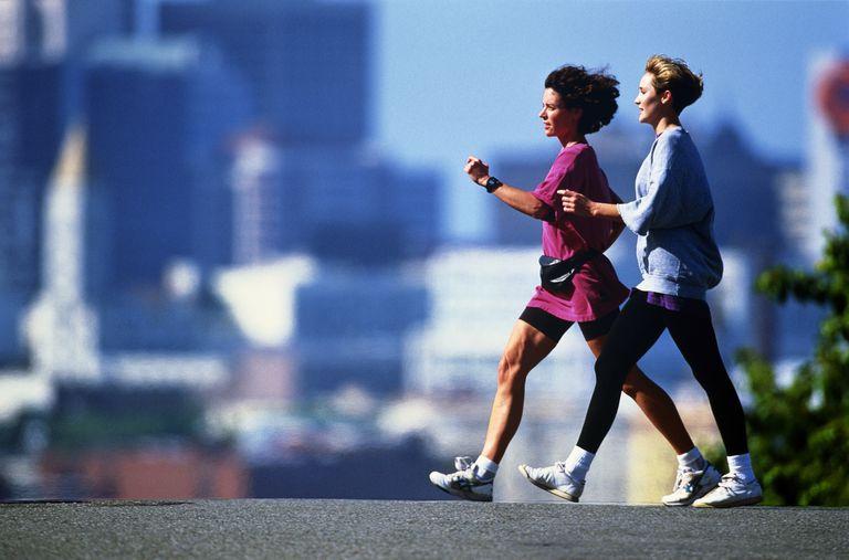 Как быстро оживленная ходьба Pace?