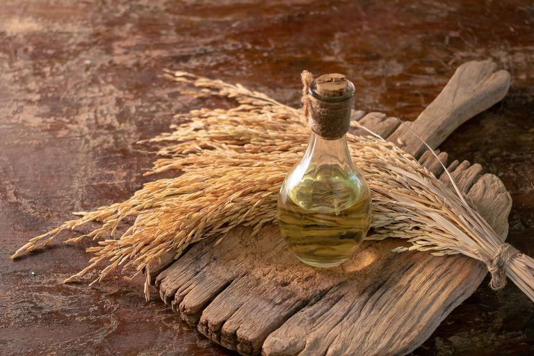 Datos de salvado de arroz Aceite de Nutrición - calorías, carbohidratos y beneficios para la salud del aceite de salvado de arroz