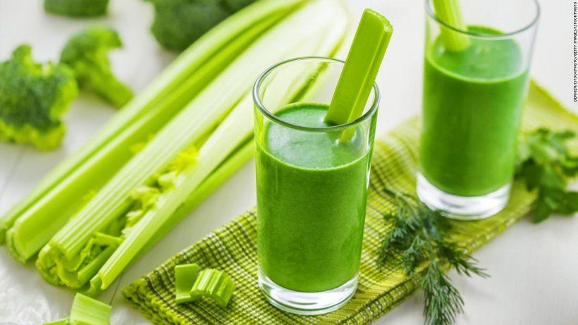 Sellerie-Saft Nährwerte - Kalorien, Kohlenhydrate und gesundheitliche Vorteile von Sellerie-Saft