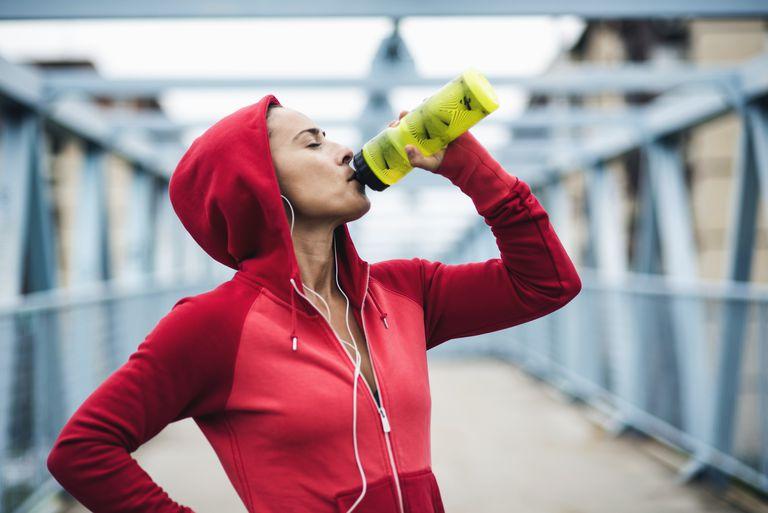 يجب عليك شرب الماء البارد عند ممارسة؟