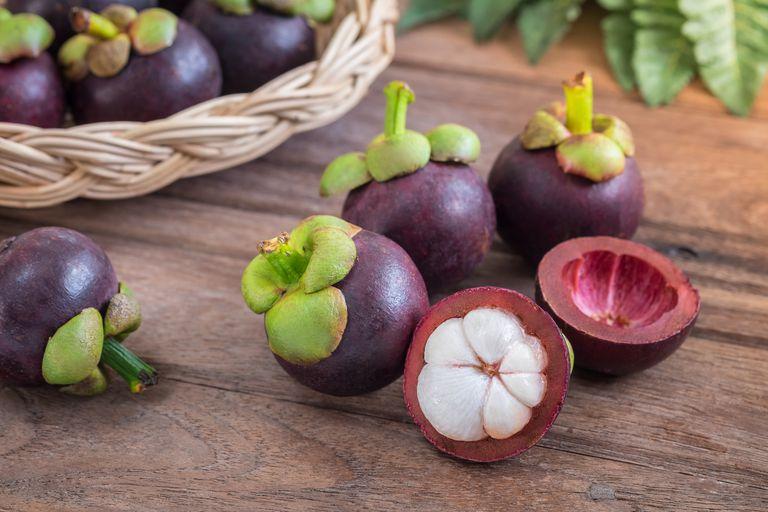 Mangostan-Frucht: Vorteile und Einsatzmöglichkeiten dieser tropischen Frucht