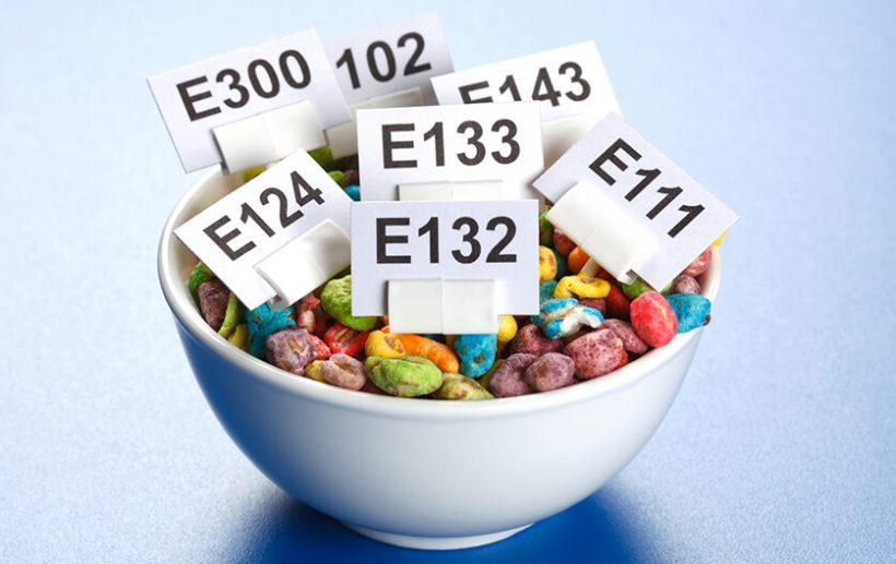 Evitar los aditivos alimentarios y productos químicos