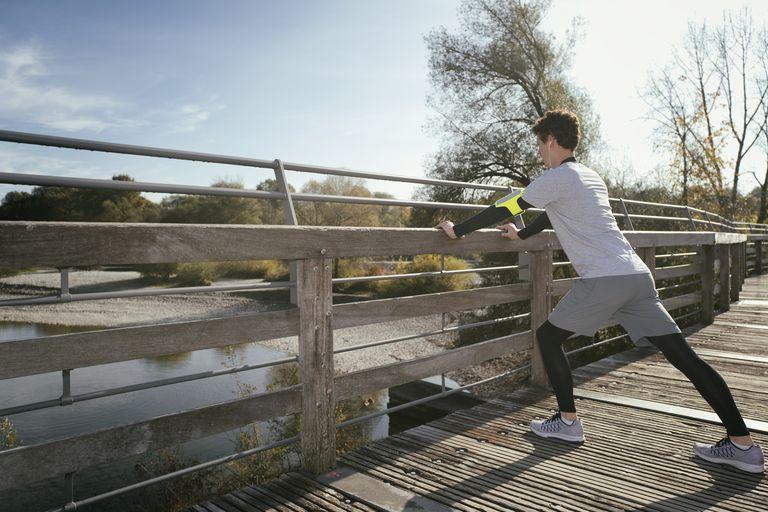 Hvordan man behandler lægmuskler, kramper efter at have kørt