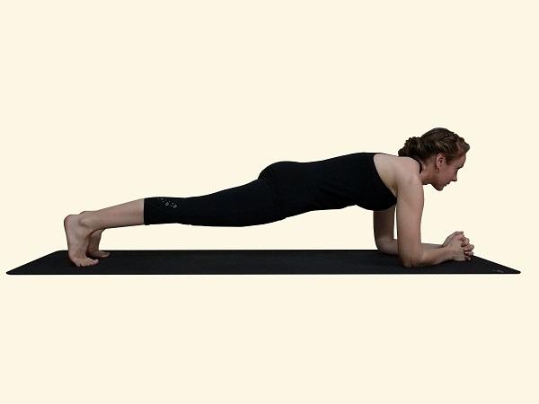 Posilňovať svoje jadro s Pilates Plank Variácie
